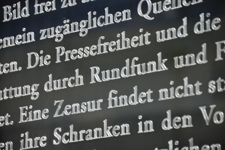 Artikelbild: Bundestag debattiert über Pressefreiheit und Non-Profit-Journalismus